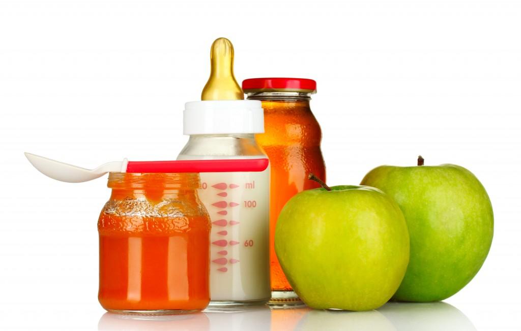 Если едите с детьми - детское питание надо обязательно брать