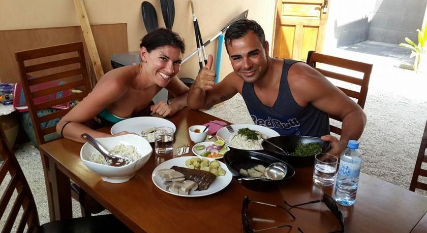 На Thulusdhoo с едой заметно лучше чем на других островах