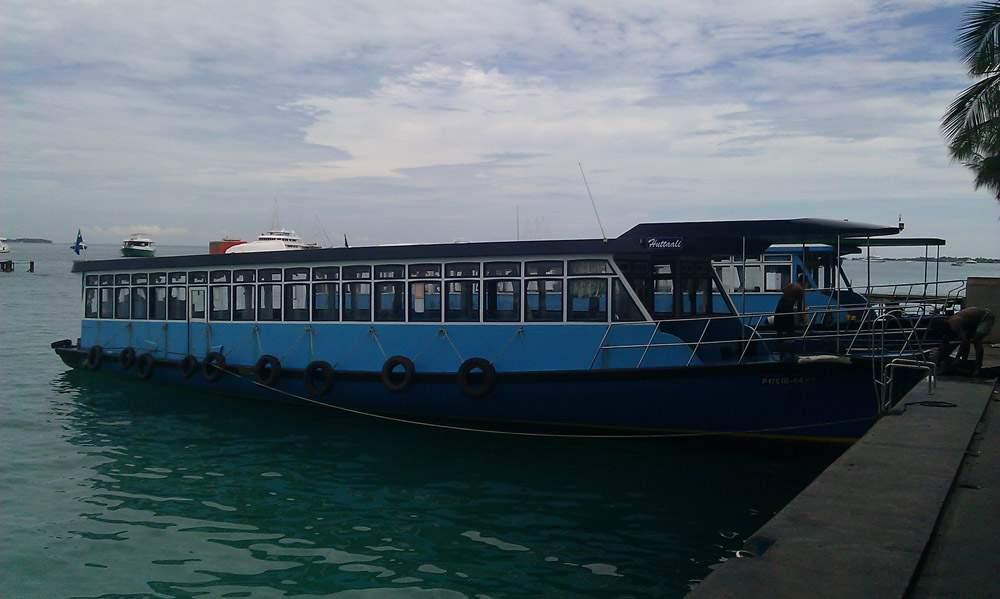 К примеру, паромы на Мальдивах часто ходят совсем не по расписанию